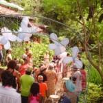 Cantando parabéns em iorubá no arco da escola (Ofá de Odé)