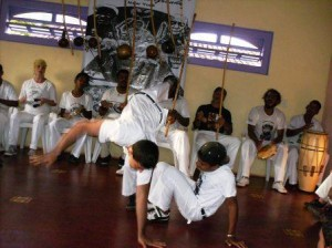 Roda com Mestre Cabello na Associação do Bairro Rio Vermelho