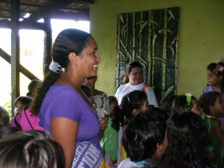 Pais e filhos no 1° dia de aula