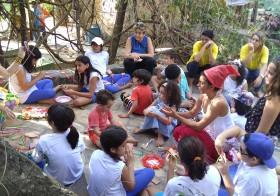 Escola de Goiânia participa de Vivência Lúdica na Vila Esperança