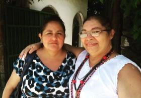 Professora Mapuche, do Chile, visita a Vila Esperança.