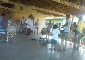 Vila, lá: Maracatu na Buenolândia.