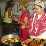 """Oficina de Culinária """"Axé de Dendê"""": Acarajé saindo quentinho"""